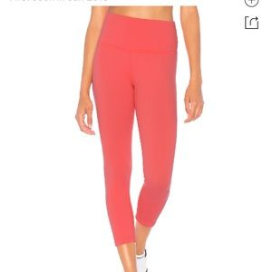 Beyond Yoga coral cropped high rise leggings
